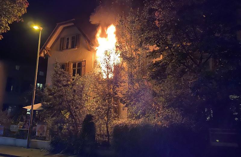 Stadt Schaffhausen: Brand eines Doppel-Einfamilienhauses